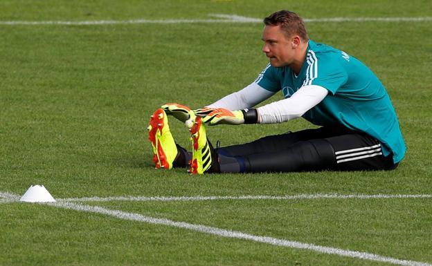 Manuel Neuer será el titular si va a Rusia: Joachim Löw