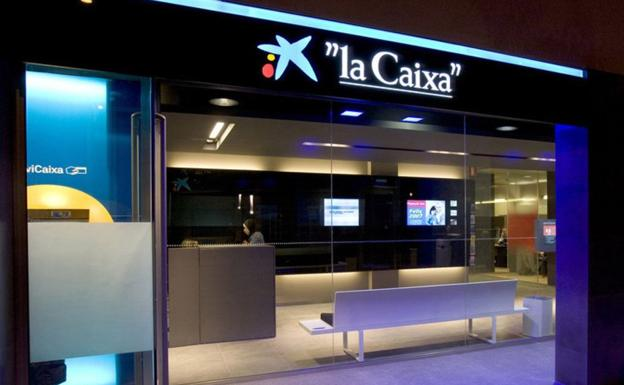Caixabank prev cerrar en le n cuatro oficinas y reducir for Oficinas la caixa leon