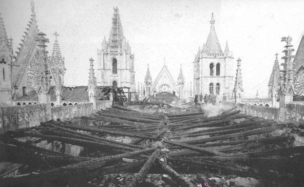 Incendio en la Catedral de León, en 1966.