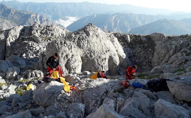 El grupo en el 'ataque' del pasado septiembre, en el macizo central de los Picos de Europa./C.F.