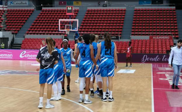 Un momento del partido en Zaragoza.