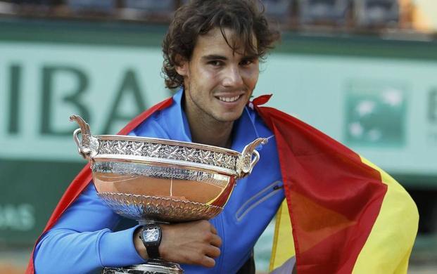 Federer vuelve a chocar contra la pared