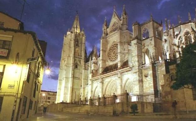 La Catedral de León es uno de los bienes pertenecientes a la Iglesia./