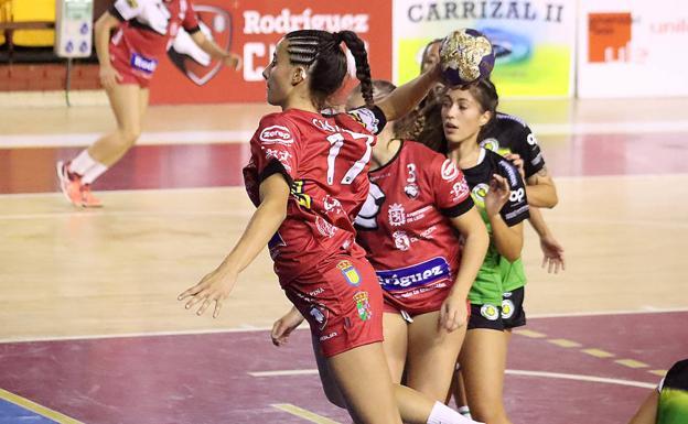 Un lance de un partido del Rodríguez Cleba.